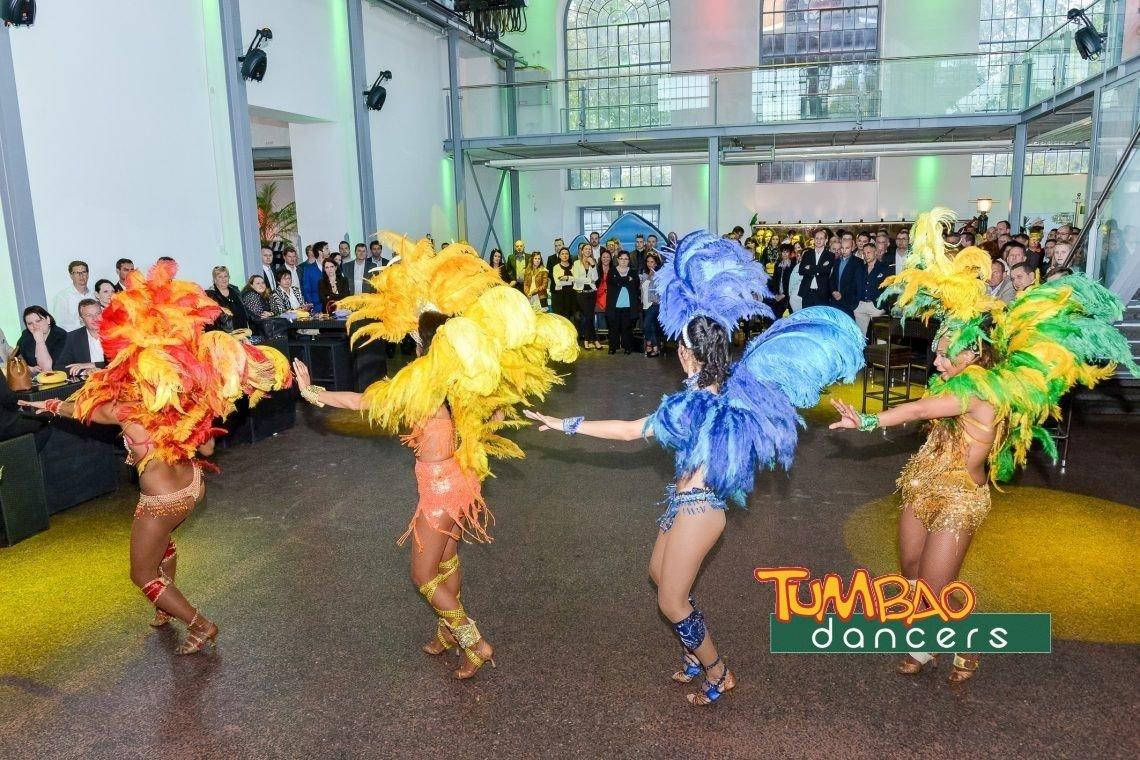 Samba Show mit Batucada